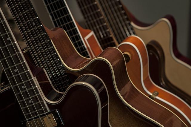 verschillende gitaren en merken